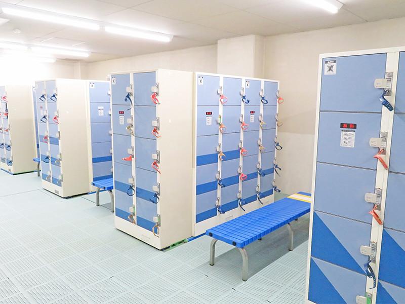 男女別・ロッカー室