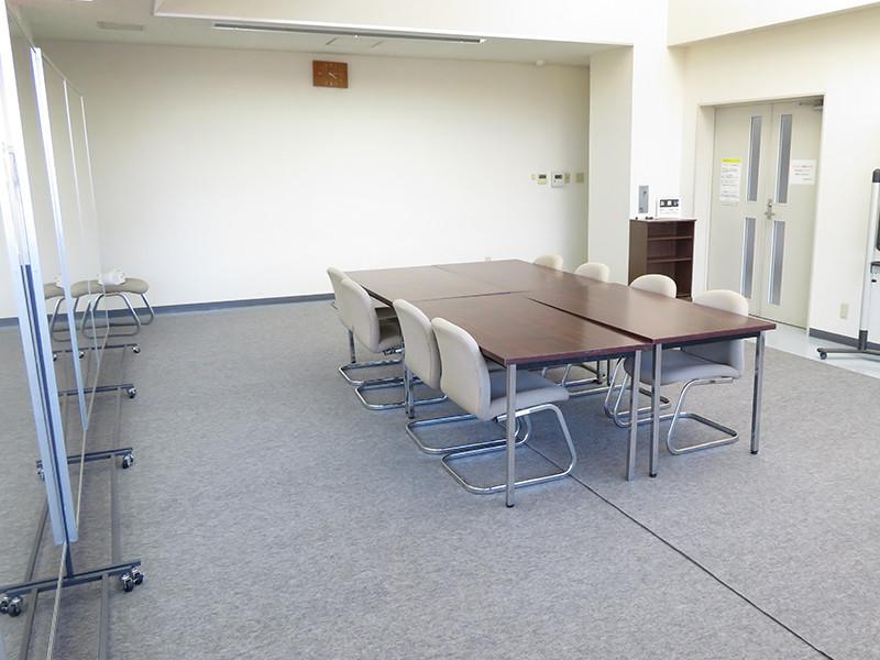 スタジオ(会議室)